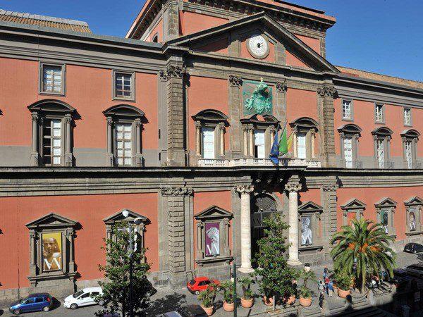 Pasqua e Ponti al Museo e visite gratis a maggio in Campania, ecco l'elenco dei musei e le date per le visite gratis
