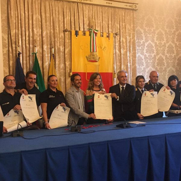 Napoli, l' Abbac e l'Amministrazione conferiscono un encomio al Nucleo Polizia Turistica, la proposta è stata dell'Abbac