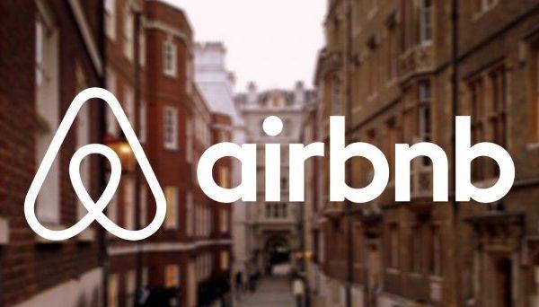 Airbnb UK invia al fisco i dati degli ultimi tre anni di 225mila host inglesi. E ora il portale è pronto a farlo anche in Italia