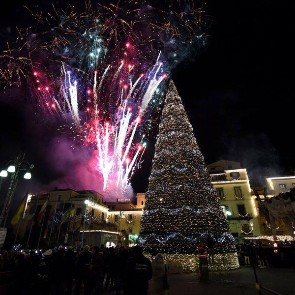 Capodanno in Penisola Sorrentina, fuochi d'artificio e spettacoli