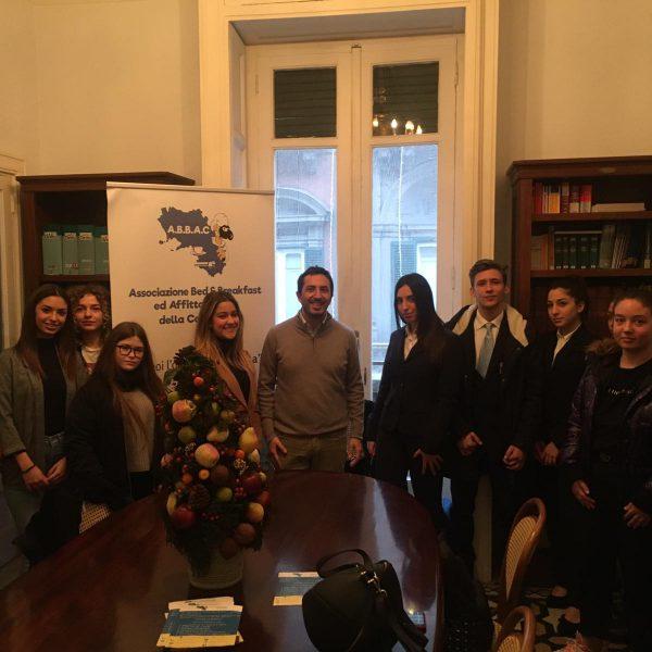 Giovani allievi dell'Isis Vittorio Veneto a lezione di extralberghiero. Al via il progetto di alternanza scuola lavoro con l'Abbac