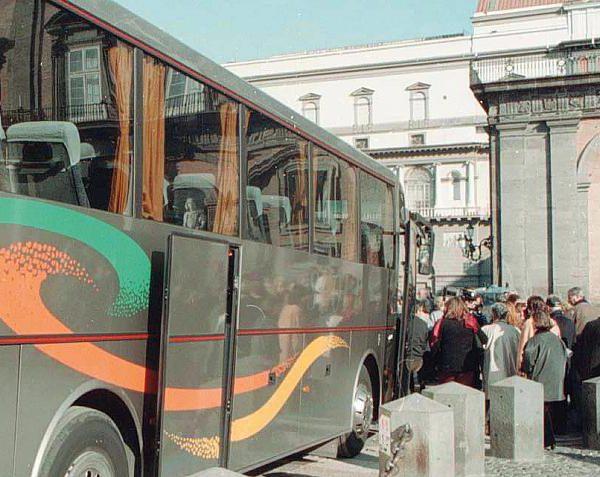 Napoli, bus turistici, L'Abbac chiede sinergie tra esigenze Comune e imprese
