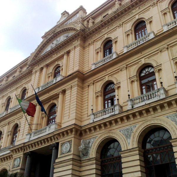 """Voucher per le imprese turistiche della provincia di Napoli, la Camera di Commercio commette un grave errore. Il Presidente Abbac: """"Assurdo escludere gli affittacamere e le case vacanze imprenditoriali, ritirano o rettifichino il bando o ci appelleremo al Tar"""" Turismo in ginocchio"""