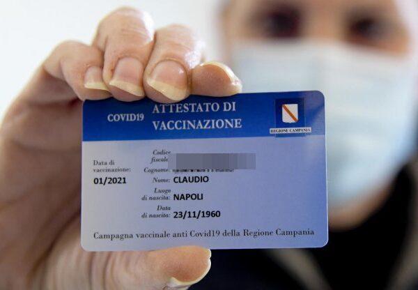 Campania, la Regione imporrà una smart card per accedere ad eventi, matrimoni e turismo
