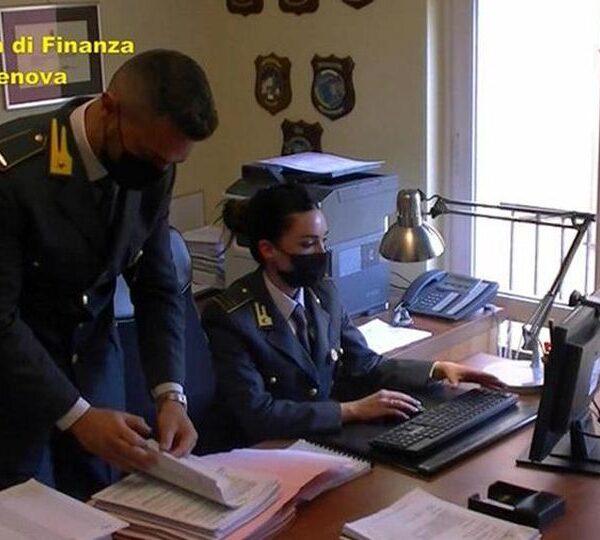 Booking accusato di evasione fiscale per 150 milioni in Italia