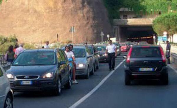 Riaperture e mobilità, rischi Penisola Sorrentina e Costiera Amalfitana, l'Abbac invia nota ai Prefetti di Napoli e Salerno per aumentare capienza mezzi pubblici e soluzioni mobilità